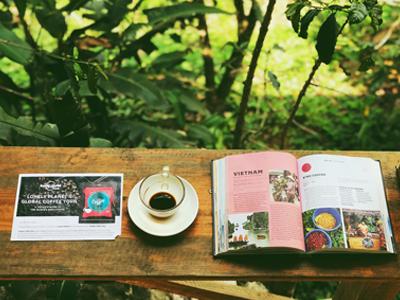 Översättning av sakprosa - Versalis, kaffekopp och bok